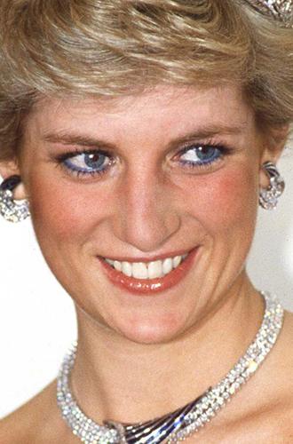 Фото №3 - Она вернулась: сине-голубая гамма в макияже глаз
