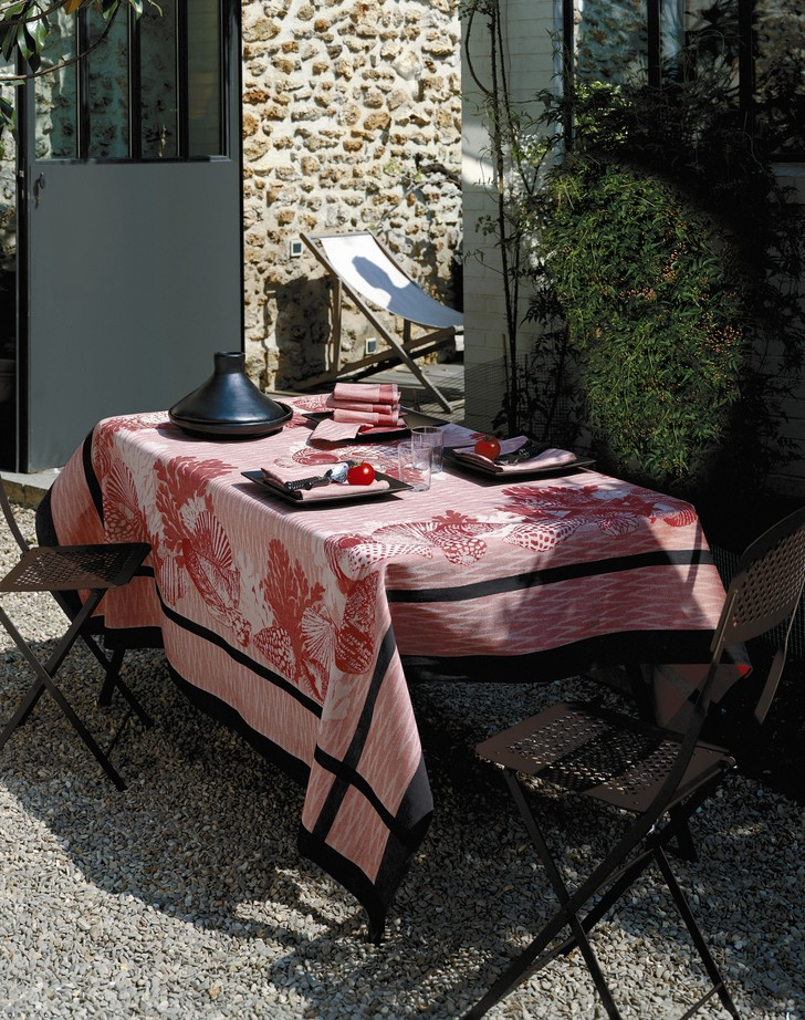 Фото №8 - Модные скатерти для летнего стола