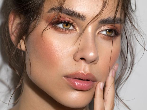 Фото №1 - От макияжа до интерьера: как перламутр возвращается в моду