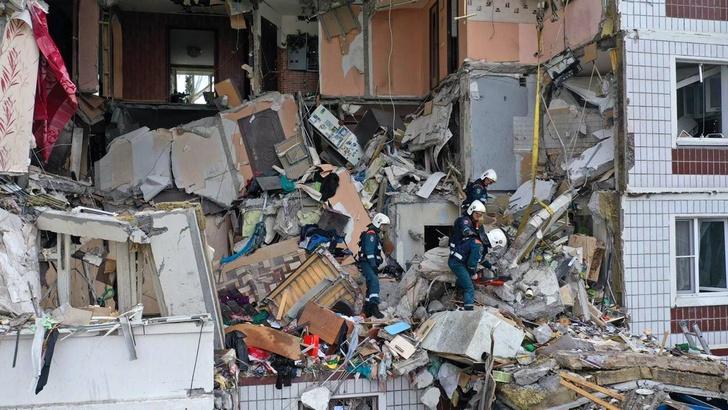 Фото №2 - «Спасатели сказали, что я молодец»: история 10-летней Анжелики Ефименко, спасшей сестру из разрушенного дома в Ногинске