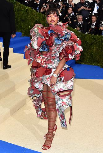 Фото №29 - История Met Gala: самые знаменитые наряды бала Института костюма