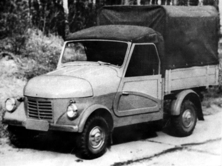 Опытный грузовичок на базе СМЗ С3-А в серию не пошел. Хотя тоже вышел очень миленьким