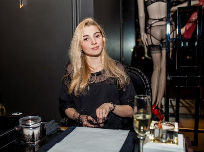 Фото №17 - Звезды и редакция Marie Claire на девичнике в бутике Agent Provocateur