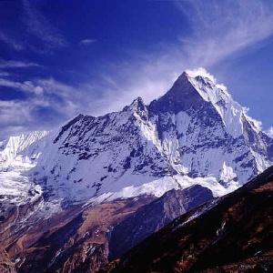 Фото №1 - Спасены туристы в Гималаях