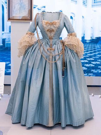 Фото №2 - Сказочная принцесса: неизвестная история самого великолепного платья Маргарет