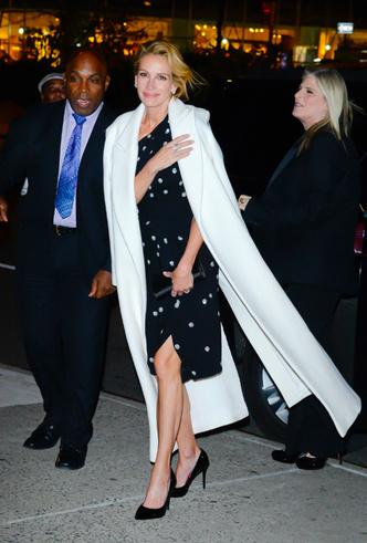 Фото №28 - От Джиджи Хадид до Леди Гаги: кто одевает самых стильных звезд