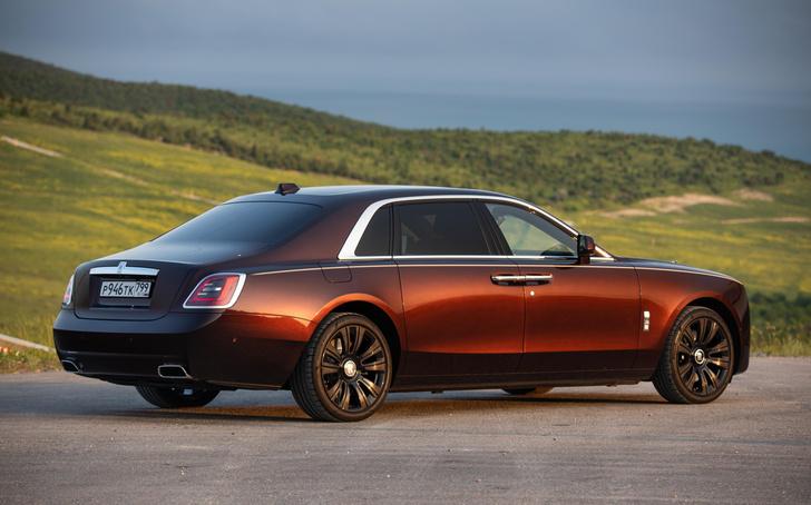 Фото №2 - Ти-ши-на! 10 важных фактов о новом Rolls-Royce Ghost