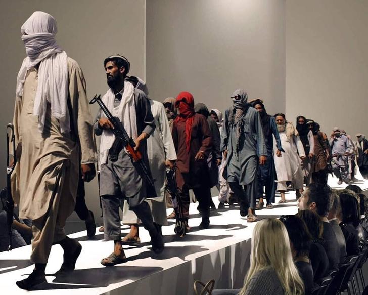Фото №1 - В Интернете нашли самых модных боевиков из Афганистана (галерея и немного фотожаб)