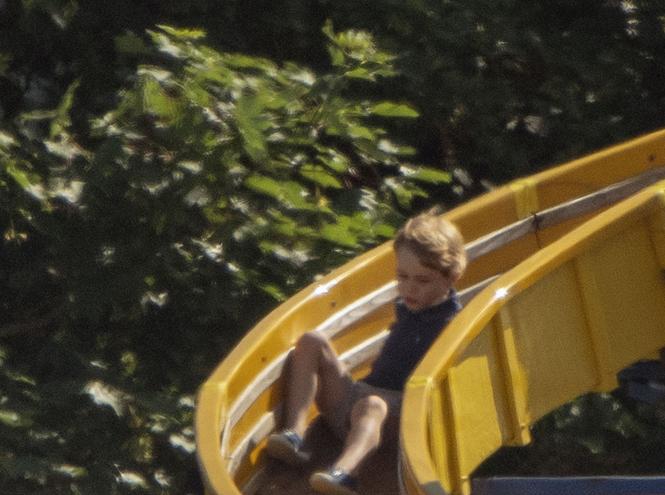 Фото №2 - Почему Кейт и Уильям прячут детей от публики на самом деле