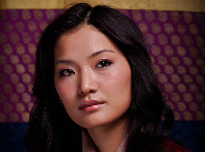 Фото №2 - Король-дракон Бутана: любовь стоит того, чтобы ждать