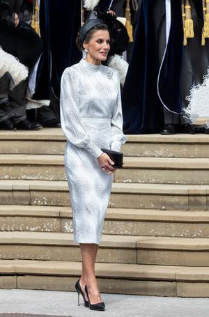Фото №11 - Какие головные уборы носит королева Летиция