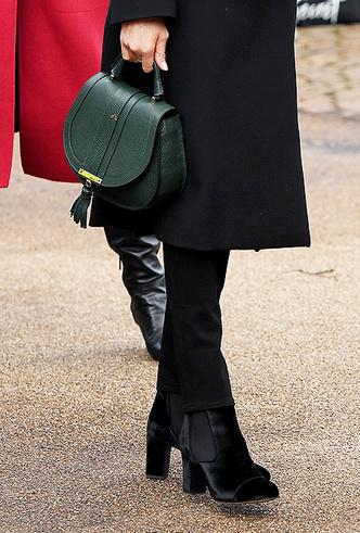 Фото №10 - Принц Гарри и Меган Маркл впервые посетили столицу Уэльса