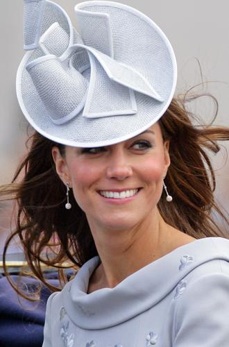 Фото №18 - Драгоценности герцогини: любимые ювелирные бренды Кейт Миддлтон