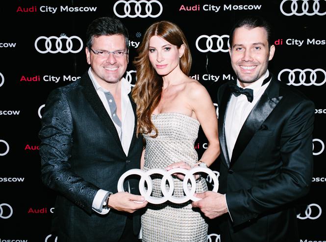 Фото №1 - Ксения Собчак, Иван Ургант и другие звезды на открытии Audi City Moscow