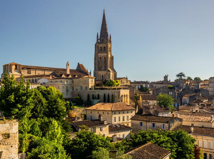 Фото №4 - Топ-5 мест во Франции, куда стоит отправиться именно весной