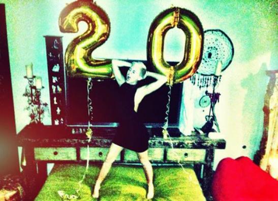 Фото №2 - Как Майли Сайрус отметила день рождения?