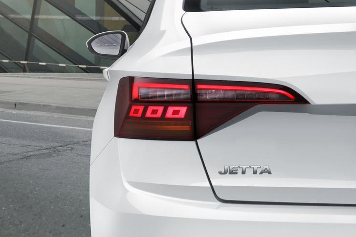 Фото №4 - Новый Volkswagen Jetta предъявил цены