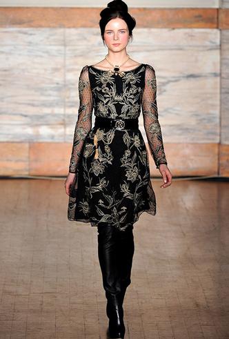 Фото №31 - Было/стало: как дизайнеры перешивают свои наряды ради Кейт Миддлтон