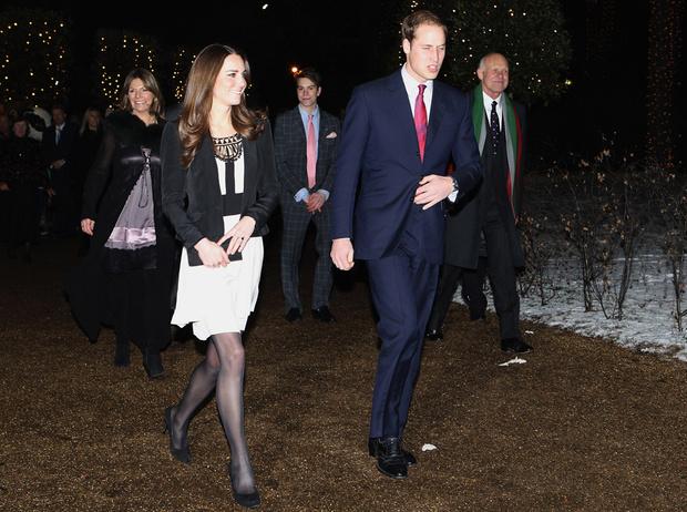 Фото №15 - Меган Маркл и принц Гарри начали свой тур по Великобритании