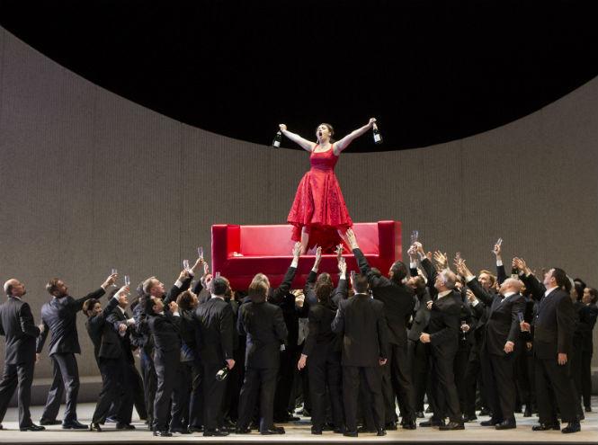 Фото №1 - TheatreHD представляет: опера «Травиата»