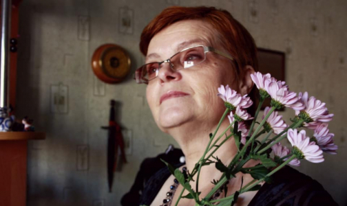 """Фото №1 - """"Она отдала все своим семерым детям"""": В Петербурге умерли еще два медика"""