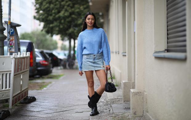Фото №1 - Джинсовые юбки— тренд весны 2021. Какие купить и с чем носить?