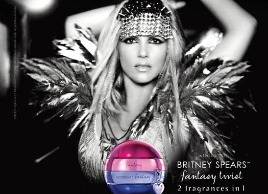 Фото №1 - Двойная порция: Бритни Спирс в рекламной кампании Fantasy Twist