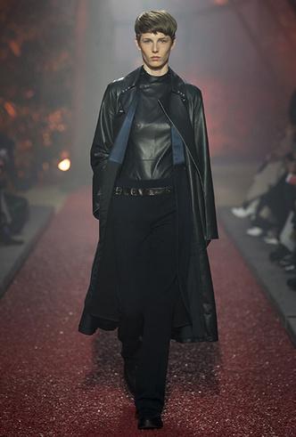 Фото №5 - Как сочетать кожаные вещи между собой: мастер-класс от Hermès FW18-19