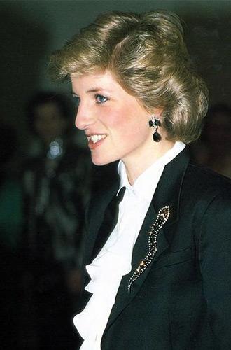 Фото №4 - Не все то золото: как принцесса Диана выдавала дешевую бижутерию за дорогие украшения