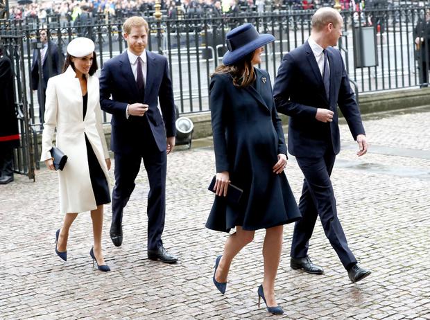 Фото №4 - Конец «Великолепной четверки»: зачем герцоги Кембриджские и Сассекские делят королевский двор