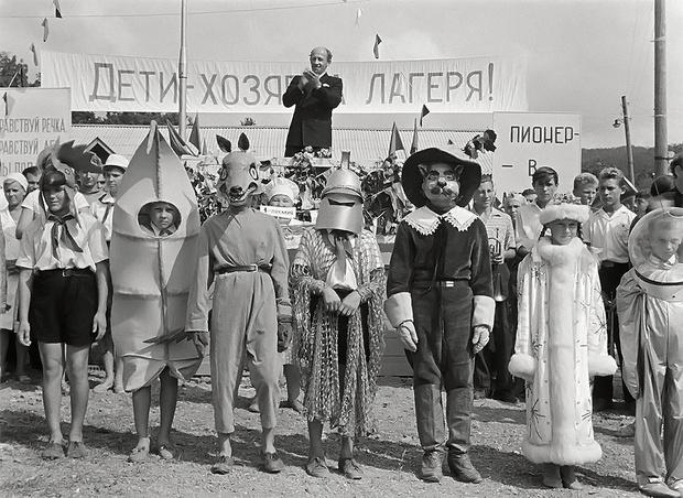 Фото №1 - 10 советских фильмов, которые надо показать иностранцу или пришельцу