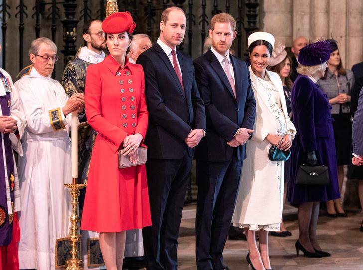 Фото №2 - Что не так с реверансом герцогини Меган перед принцем Чарльзом