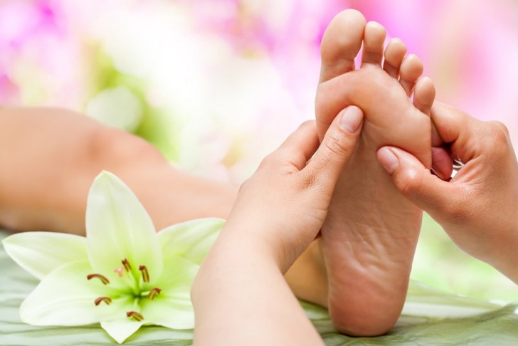 Точечный массаж ног