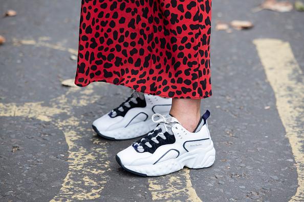 Фото №1 - Что купить: 3 пары новых кроссовок и кед, на которые стоит обратить внимание этой весной