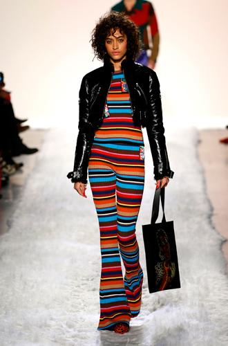 Фото №17 - Единое целое: как носить модные комбинезоны