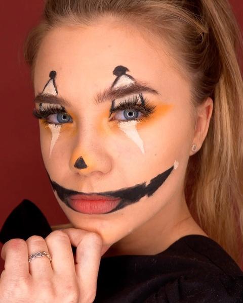 Фото №3 - Катя Адушкина показывает, какой мейк сделать в Хэллоуин