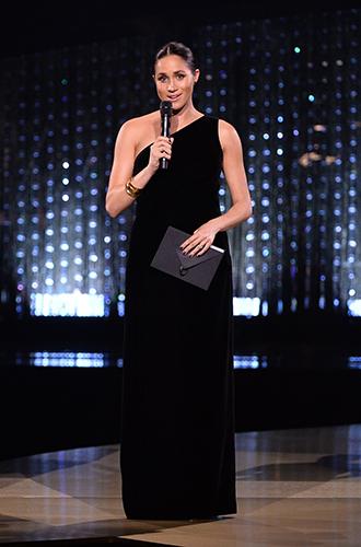Фото №8 - Неожиданный вывод модного эксперта о стиле Меган Маркл: «Новая Уоллис Симпсон»
