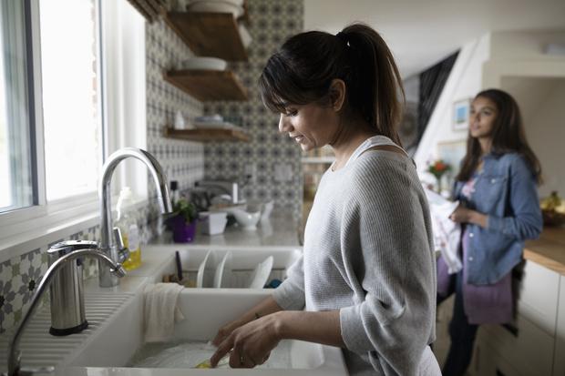 Фото №2 - Сохранить чистоту: 10 лайфхаков, чтобы делать уборку реже