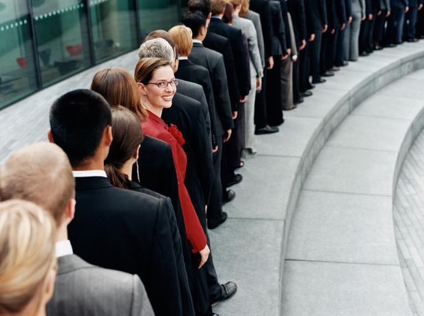 Фото №2 - Синдром отличницы: почему навязанные обществом стандарты мешают карьере и личному счастью