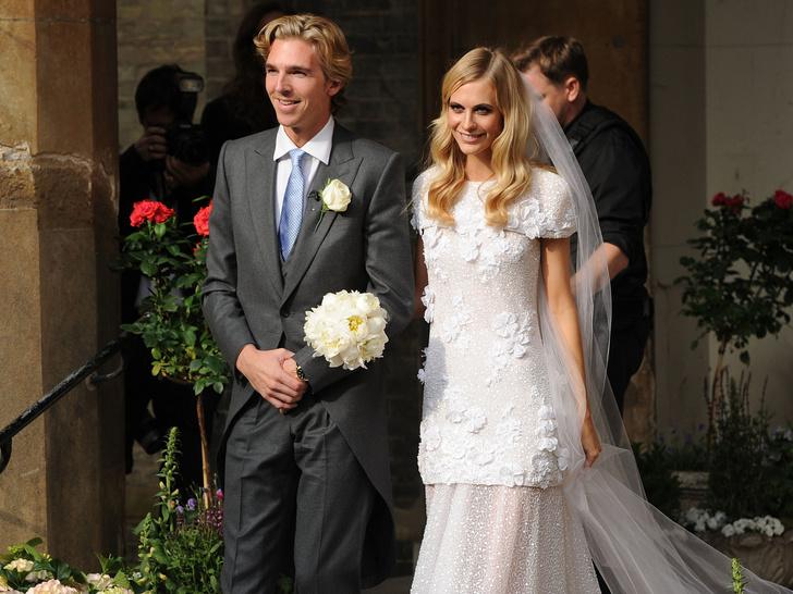 Фото №2 - Самые красивые и необычные вторые свадебные платья звезд
