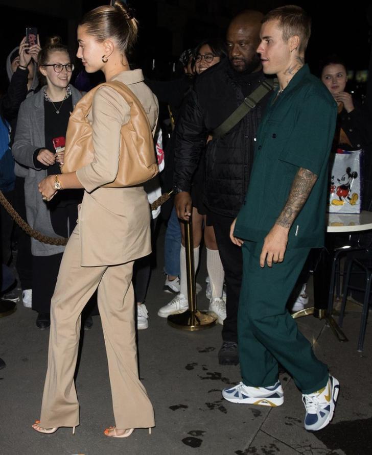 Фото №2 - Из неопубликованного: как Жакмюс отреагировал на появление Хейли Бибер в его нюдовом костюме