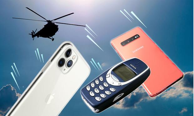 Фото №1 - Samsung S10, iPhone 11 и Nokia 3210 сбросили с вертолета (видео)