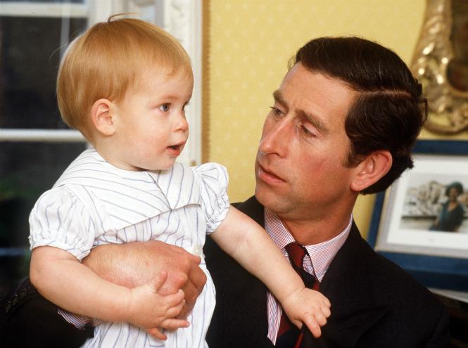 Фото №2 - Принц Гарри: путь от хулигана до примерного мальчика