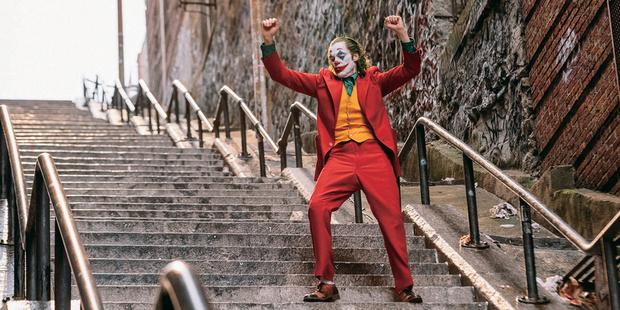 Фото №1 - Лестница из фильма «Джокер» стала достопримечательностью Нью-Йорка