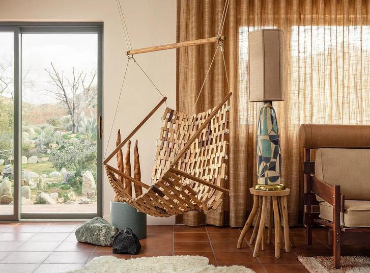 Фото №5 - Настенная роспись и авторская мебель в доме художника в Калифорнии