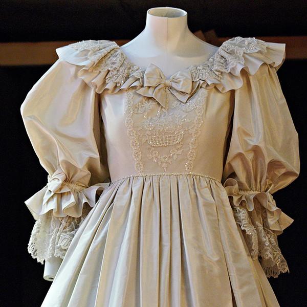 Фото №1 - Свадебное платье принцессы Дианы будет выставлено в Кенсингтонском дворце