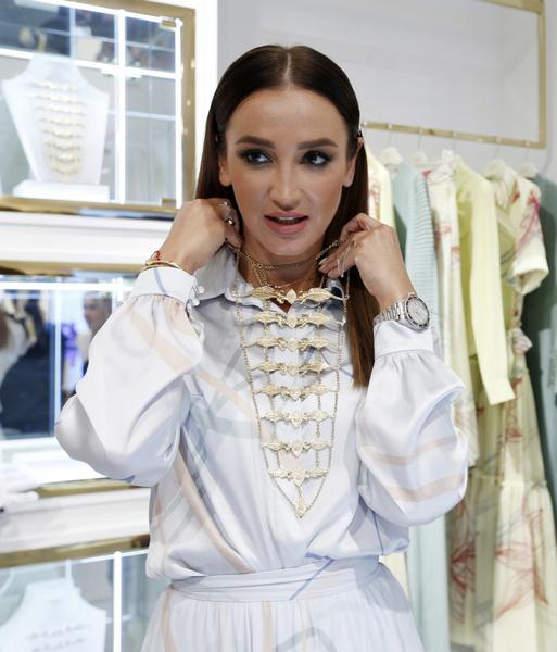 Фото №5 - Тимати, Ольга Бузова и другие звезды на открытии бутика дочери Рамзана Кадырова в Москве