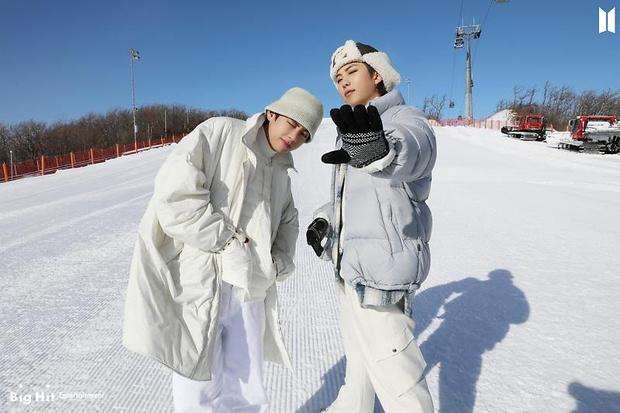 Фото №50 - Снежные ангелы: Big Hit Entertainment выложил 65 новых фото BTS 😍