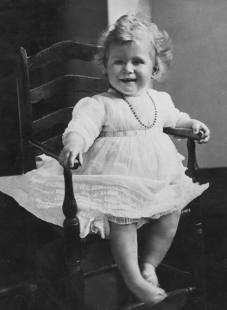 Фото №9 - Ее мини-Величество: феноменальное сходство принцессы Шарлотты с Елизаветой II