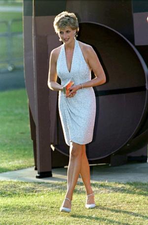 Фото №13 - Модная провокация: самые откровенные наряды принцессы Дианы